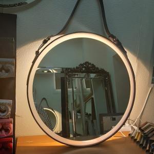 Круглое капитанское зеркало на ремнес подсветкой