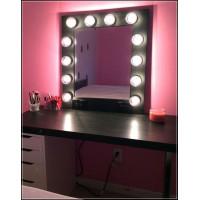 Квадратное гримерное зеркало в раме с подсветкой лампочками «Элис»