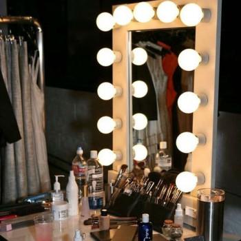 Голливудское гримерное зеркало с подсветкой лампочками «Шэрон»