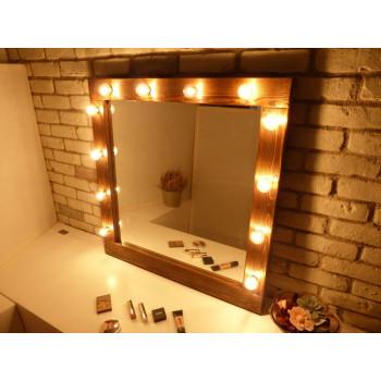 Гримерное зеркало в деревянной раме с подсветкой лампочками «Виктория»