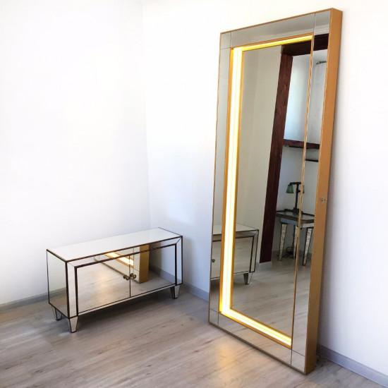 Зеркало с подсветкой большое напольное и настенное в полный рост в раме Grand Irresistibility в интернет-магазине ROSESTAR фото