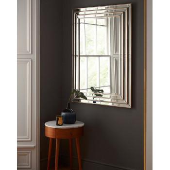 Зеркало настенное в деревянной раме Пасадена