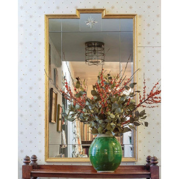 Дизайнерское красивое зеркало для интерьера в раме Комо Золото
