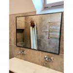 Зеркала в металлической раме в ванную