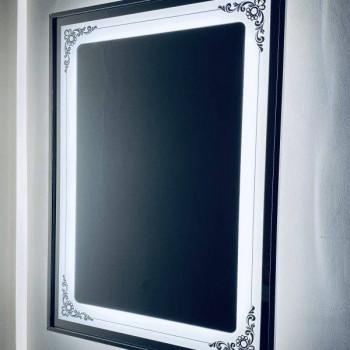 Зеркало настенное со светодиодной LED-подсветкой в алюминиевой раме Эйн