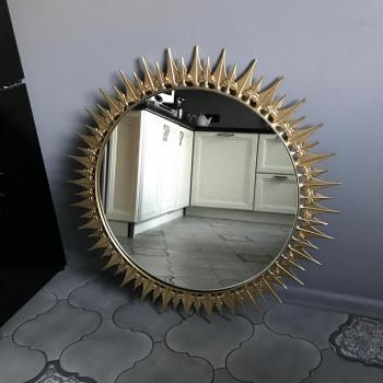 Зеркало солнце в металлической раме под золото Альфа