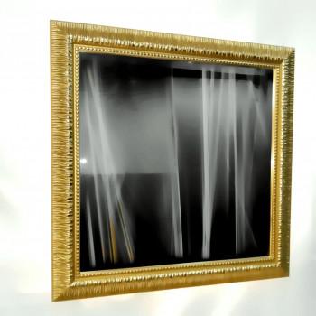 Зеркало настенное в багете «Новелла» Золото