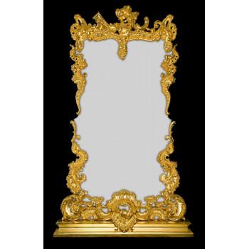 Фигурное зеркало в багете «Людовик»